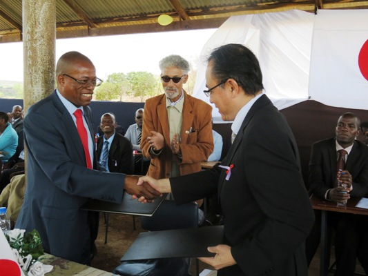 Chemhondoro school gets a helping hand